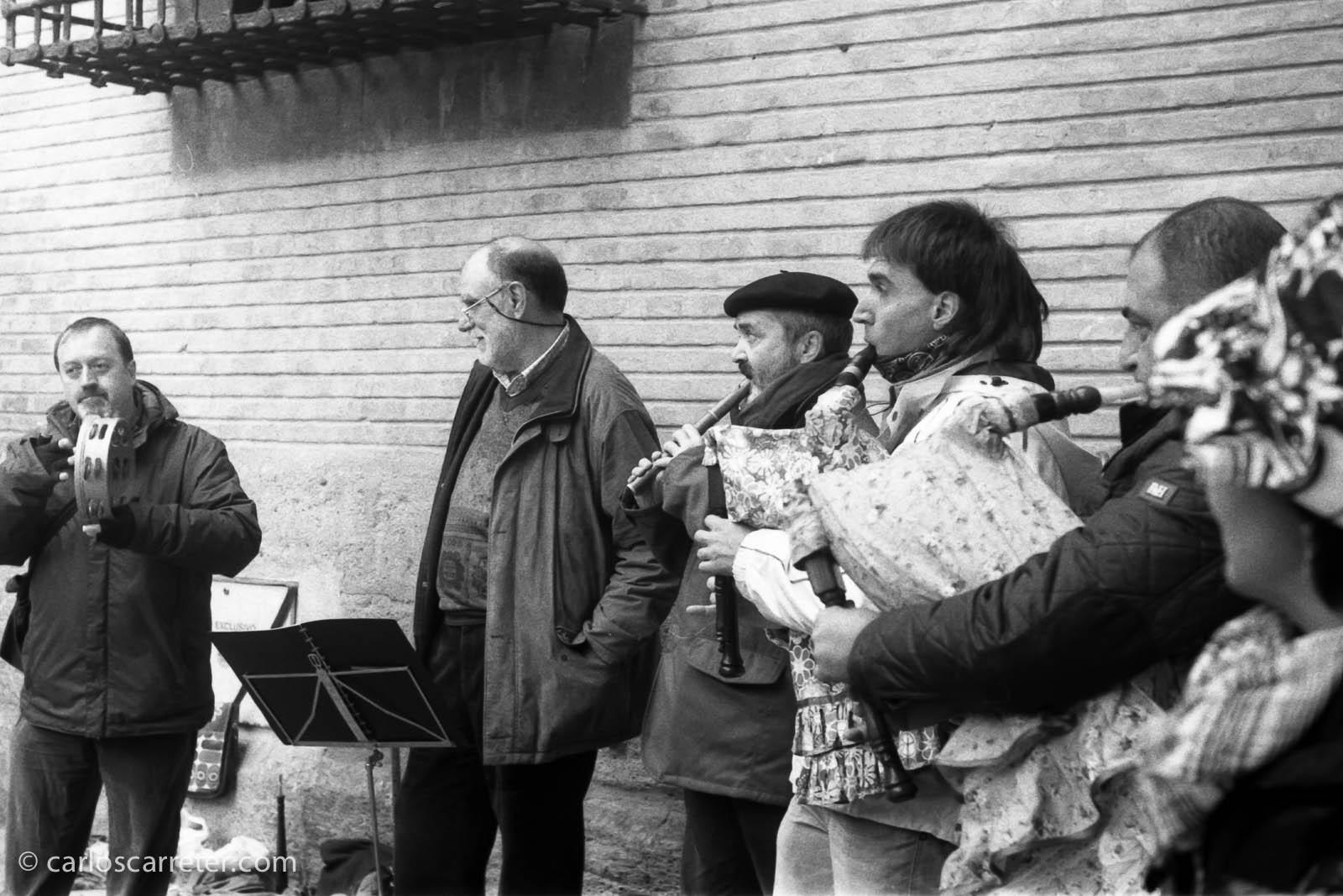 Música popular en la plaza de San Felipe