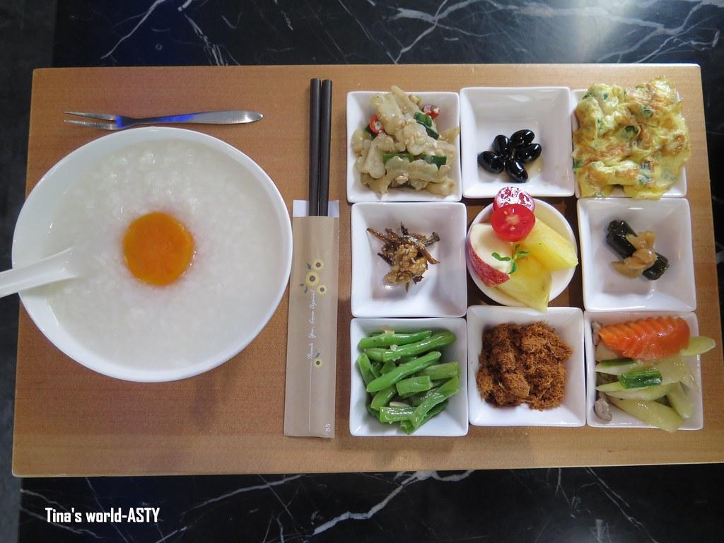 [嘉義]ASTY CAF'E亞士堤咖啡.食堂-夜店風咖啡廳吃九宮格中式早餐 @ Tina就愛趴趴造 :: 痞客邦