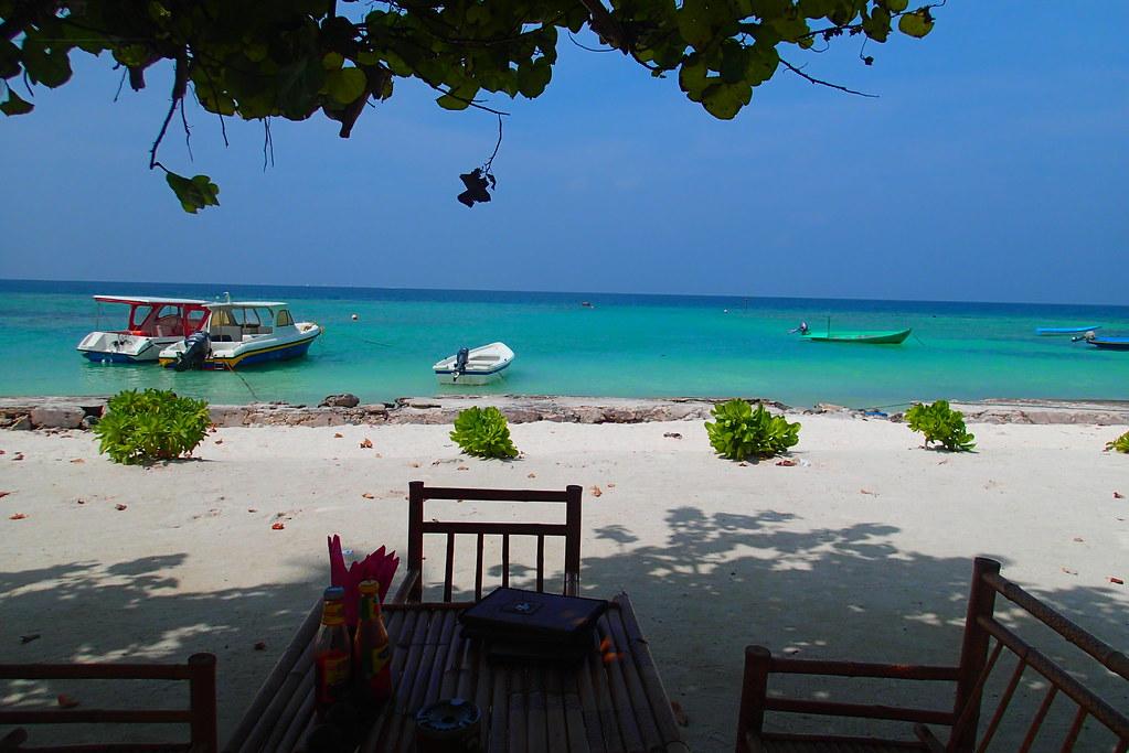Beach side lunch at the Rehindi Restaurant, Maldives