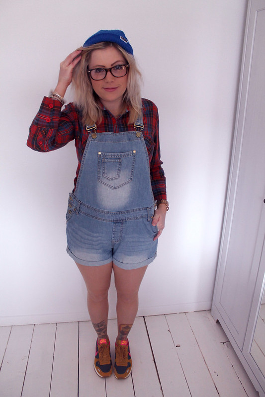 Dungarees outfit post