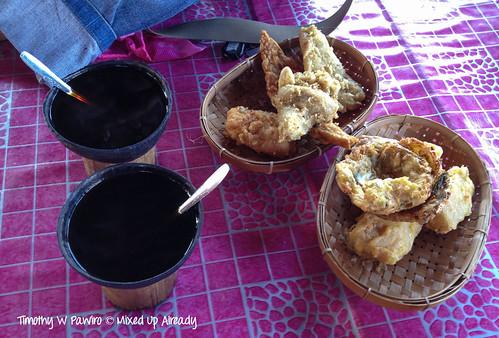 Indonesia - West Sumatra - Batusangkar - Tanah Datar - Kawa Daun coffee and some fried food