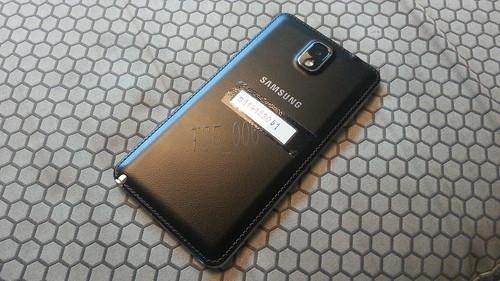 Samsung Galaxy Note 3 ด้านหลัง