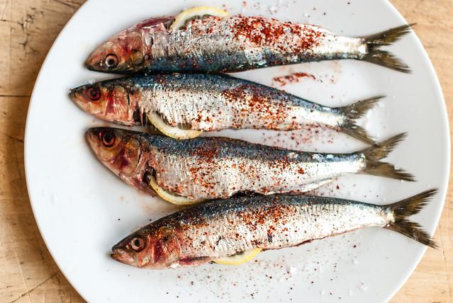 Zomer op je bord: sardines met piment d'espelette en citroen