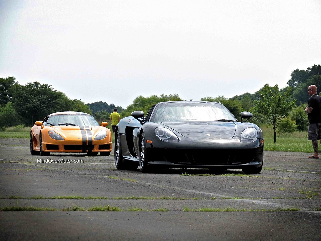 Porsche Carrera GT and Rossion Q1