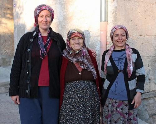 IMG_7345_3-village-women