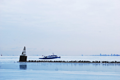 ice breaker, light house, ice, winter, chicago