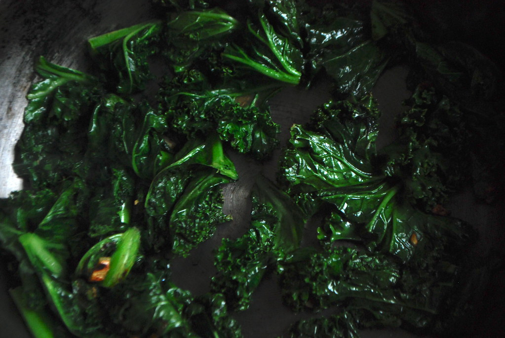 cooked kale with garlic