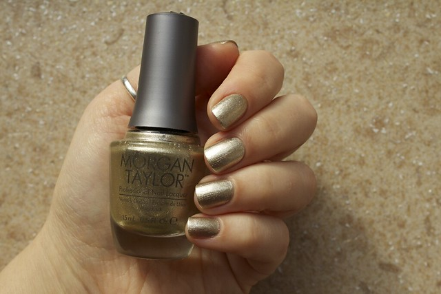 03 Morgan Taylor Give Me Gold swatches in the sunlight