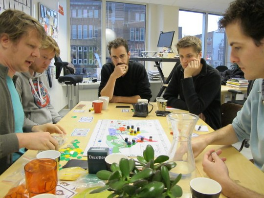 Testing Joris' boardgame about oil at Prototype Fridays #2