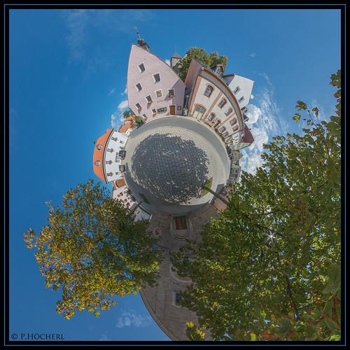 Falkenberg - vor der Kirche