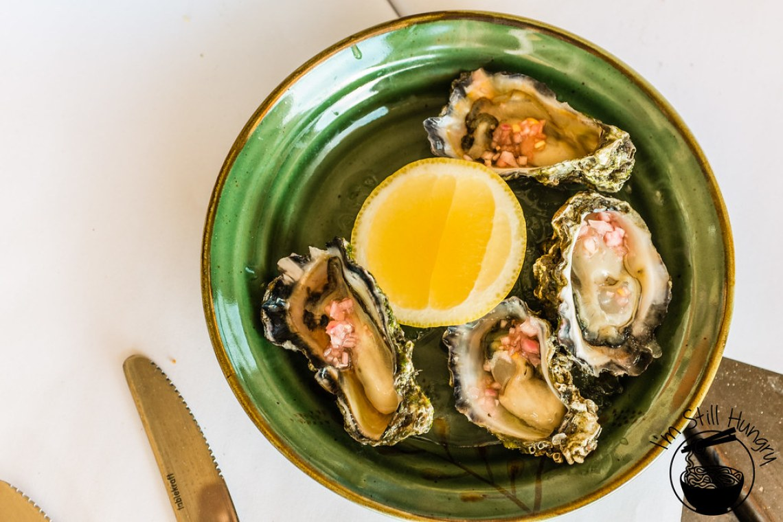 Clyde River oysters w/white balsamic & pink shallots flanagan's dining room