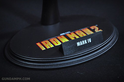 Hot Toys Iron Man 2 - Suit-Up Gantry with Mk IV Review MMS160 Unboxing - day1 (23)