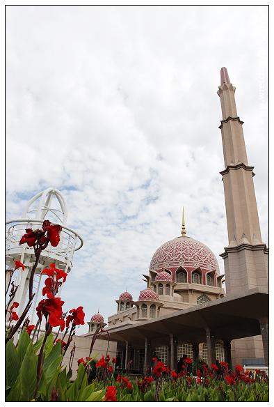 [2013吉隆坡]太子城內.水上粉紅清真寺&新峰肉骨茶~必訪景點 @VIVIYU小世界