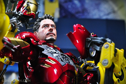 Hot Toys Iron Man 2 - Suit-Up Gantry with Mk IV Review MMS160 Unboxing - day3 (47)