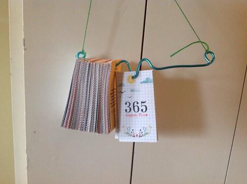 Flow kalender ophang device