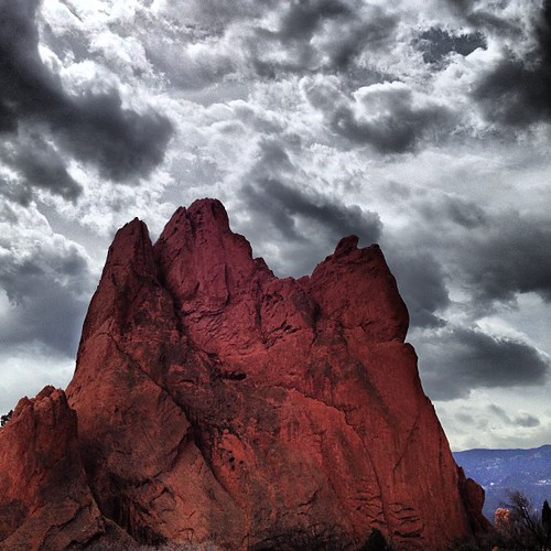 Garden of the Gods #coloradosprings #colorado by @MySoDotCom