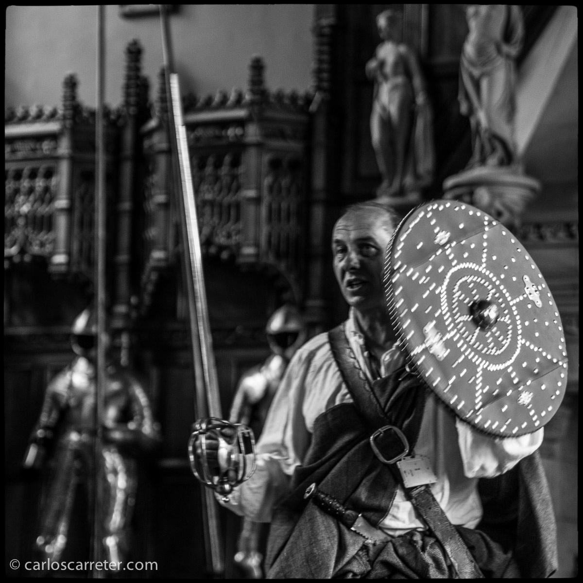 Feroz escocés en el castillo de Edimburgo