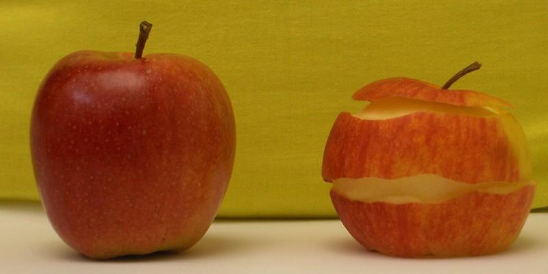 Fruta pelada y sin pelar