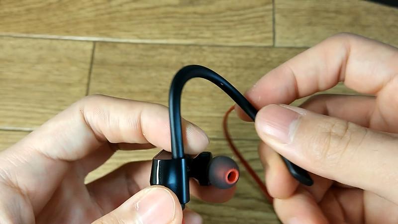 NC-300 ONDTECH Bluetoothイヤホン.Still019