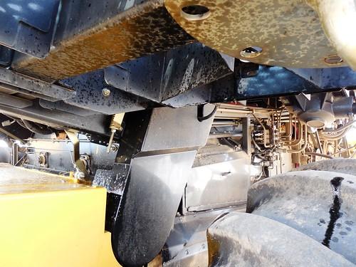 Hydraulic oil everywhere on combine