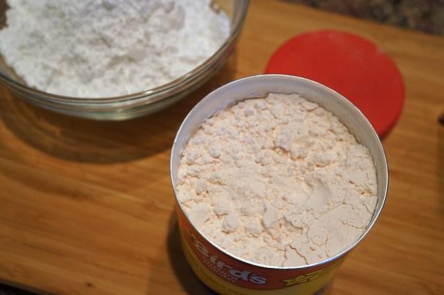 custard powder and confectioner's sugar