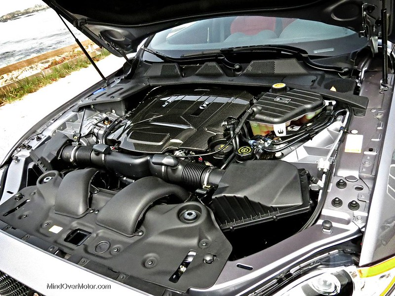Jaguar XJR 550hp 5.0L Supercharged V8