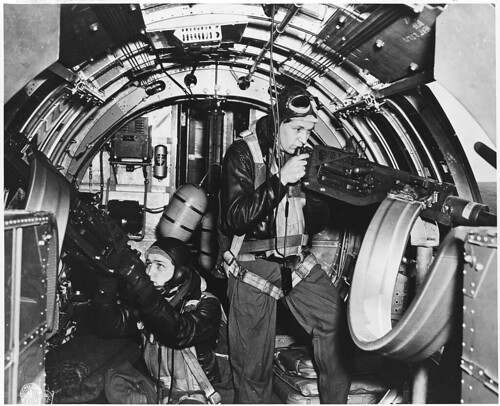 Air_Force_personnel_&_equipment._The_Pacific,_England,_Wash._DC._1942-44_(mostly_1943)_-_NARA_-_292574