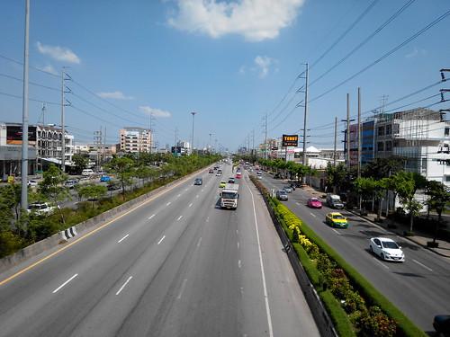 ภาพวิวถนนด้วย i-mobile IQX3