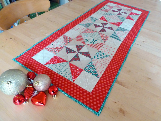 Christmas Table Runner Class sample