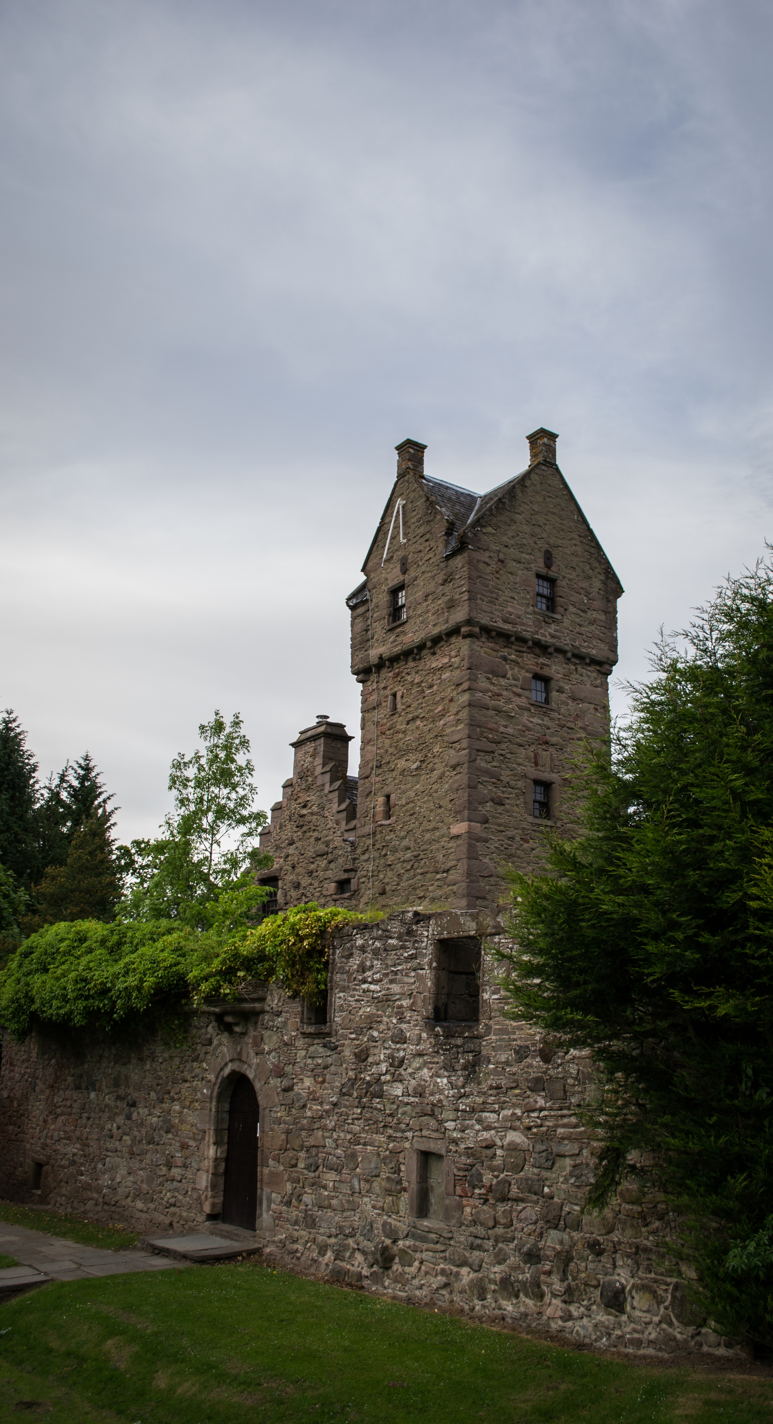 mains of claverhouse castle dundee kirkton scotland house old.jpg front
