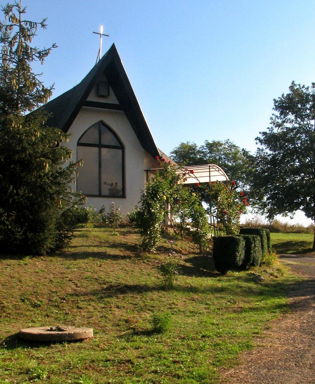 Kaplnka na cintoríne v Kiarove