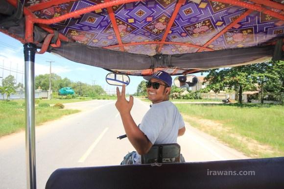 Aro, our funky tuktuk driver