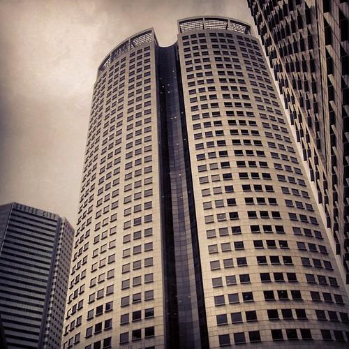 They look so close #singapore by @MySoDotCom