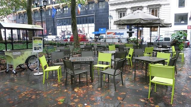 Bryant Park雨後的椅子