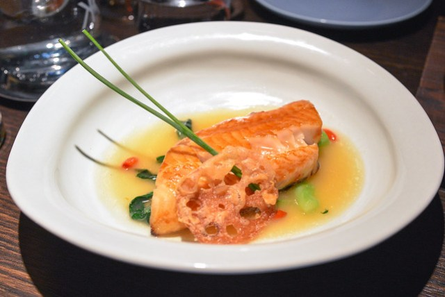 Roasted silver cod with Champagne