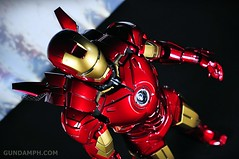 Hot Toys Iron Man 2 - Suit-Up Gantry with Mk IV Review MMS160 Unboxing - day2 (17)
