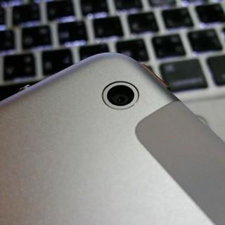 กล้องดิจิตอลด้านหลังของ iPad Mini with Retina Display