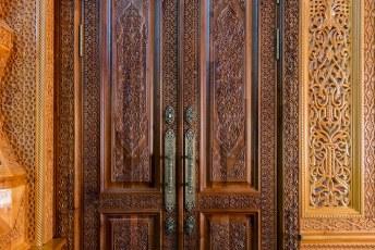 Ongelofelijk detail in het houtsnijwerk.