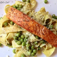 Pappardelle with Salmon, Peas, and Pesto [recipe]