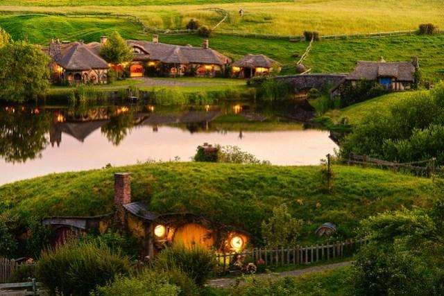 Hobbiton Movie Set in MataMata - New Zealand Travel Destination Photos