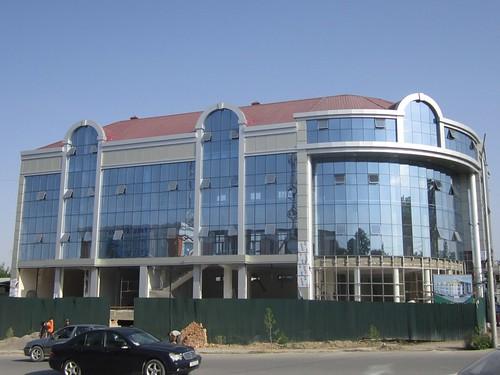 Строящийся торговый центр