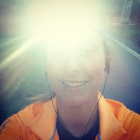 Die ene keer dat ik met koplamp ging lopen terwijl het feitelijk nog te licht was #marathontraining #TCSSuperheroes #TCSAM14 #runfie