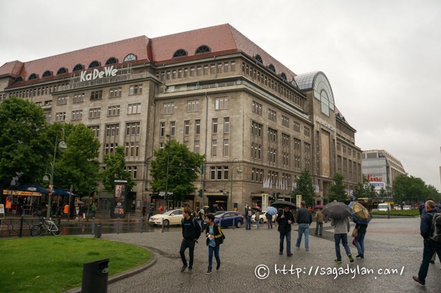berlin1-currywurst-kadewe-30