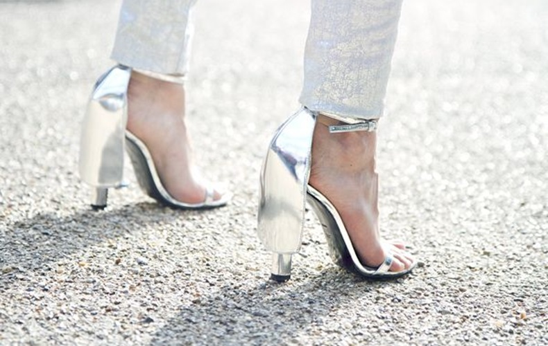 sandalias_plateadas_look-silver_heels_outfit_how_to_wear_silver_heels