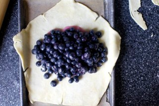 dump the fruit mixture in the center