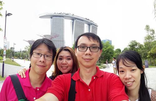 ถ่าย Selfie หมู่ที่ Marina Bay Sands แบบไม่ต้องง้อใคร ด้วย Panoramic Selfie ของ Huawei Ascend P7
