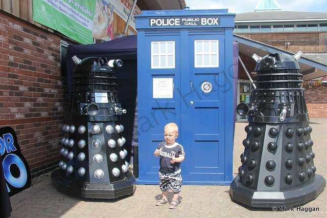 Xander meets some Daleks