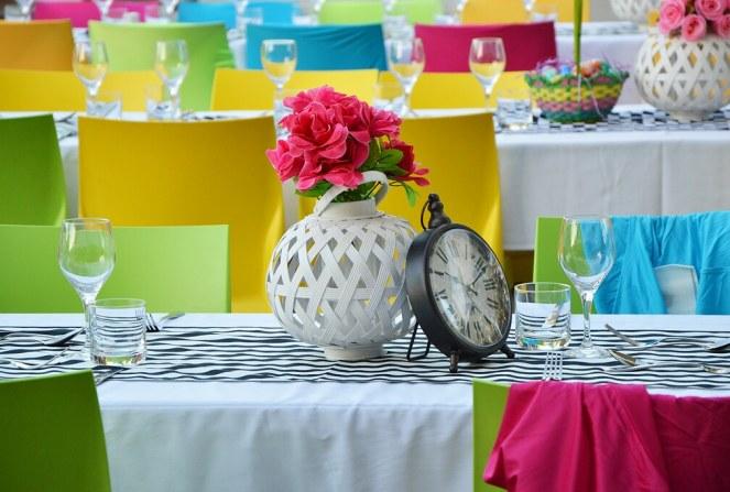 Colourful dinner table setting, Alice in Wonderland