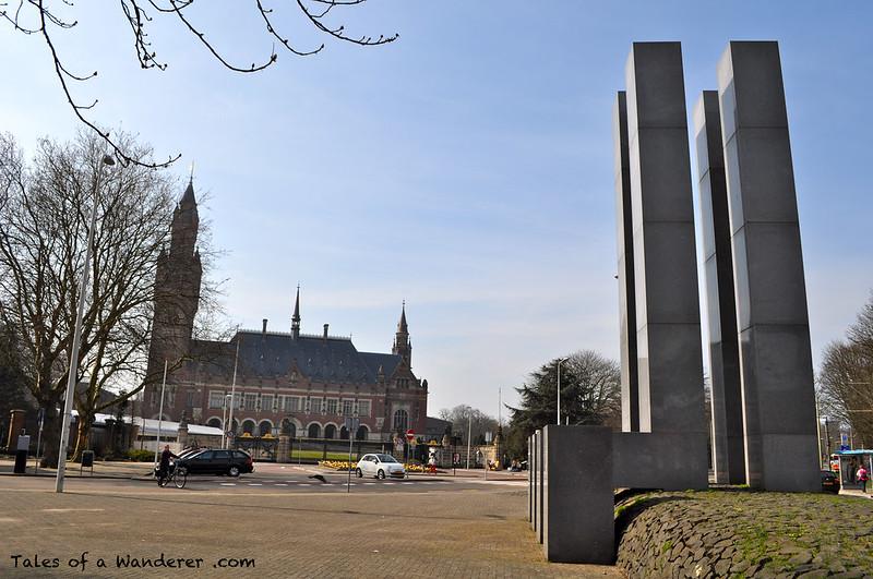 DEN HAAG - Carnegieplein - Vredespaleis