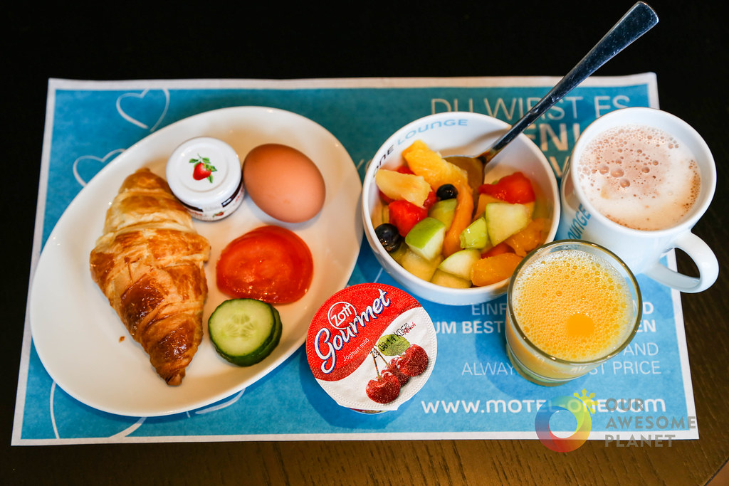 MOTEL ONE Breakfast-14.jpg
